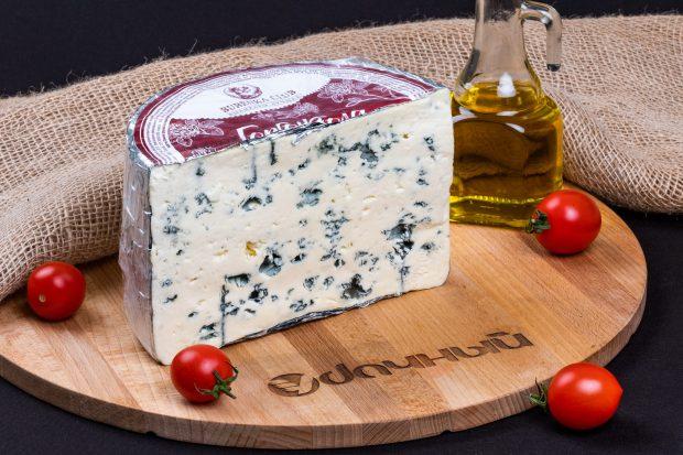 сыр горгонзола с голубой плесенью