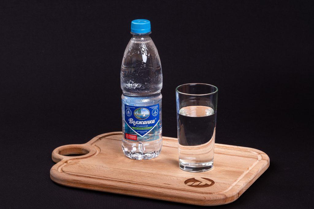 вода негазированная