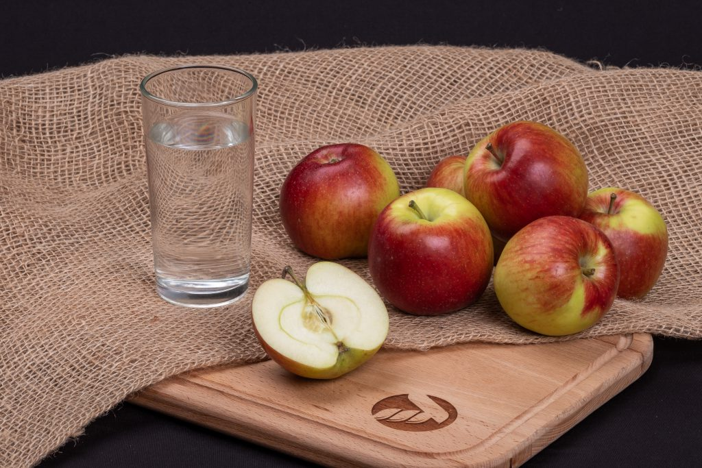 Яблоки Империал (Молдова)