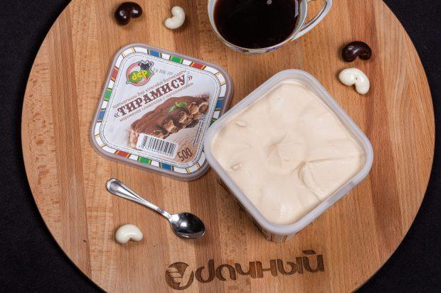 мороженое со вкусом тирамису контейнер