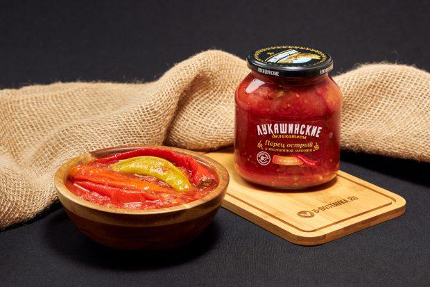 """Перец острый в томатной мякоти """"Южный"""", 670 г, Лукашинские деликатесы"""