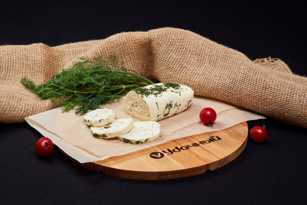 """Сыр """"Сулугуни"""" рулет с зеленью 45%"""
